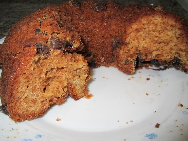 Bizcocho sin gluten de nata con pasas y chocolate con Thermomix®