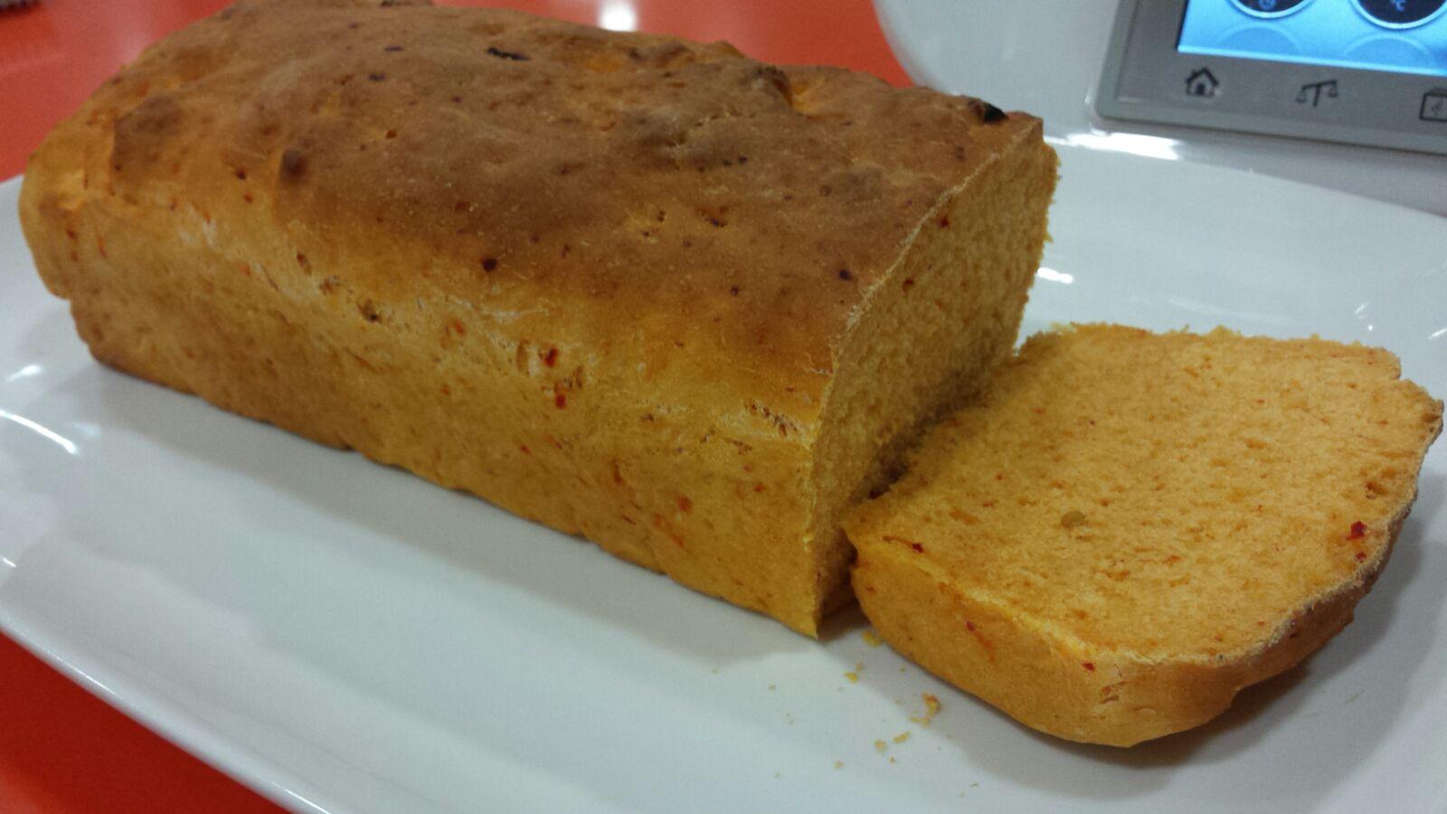 Pan de molde con pimientos de piquillo con Thermomix®