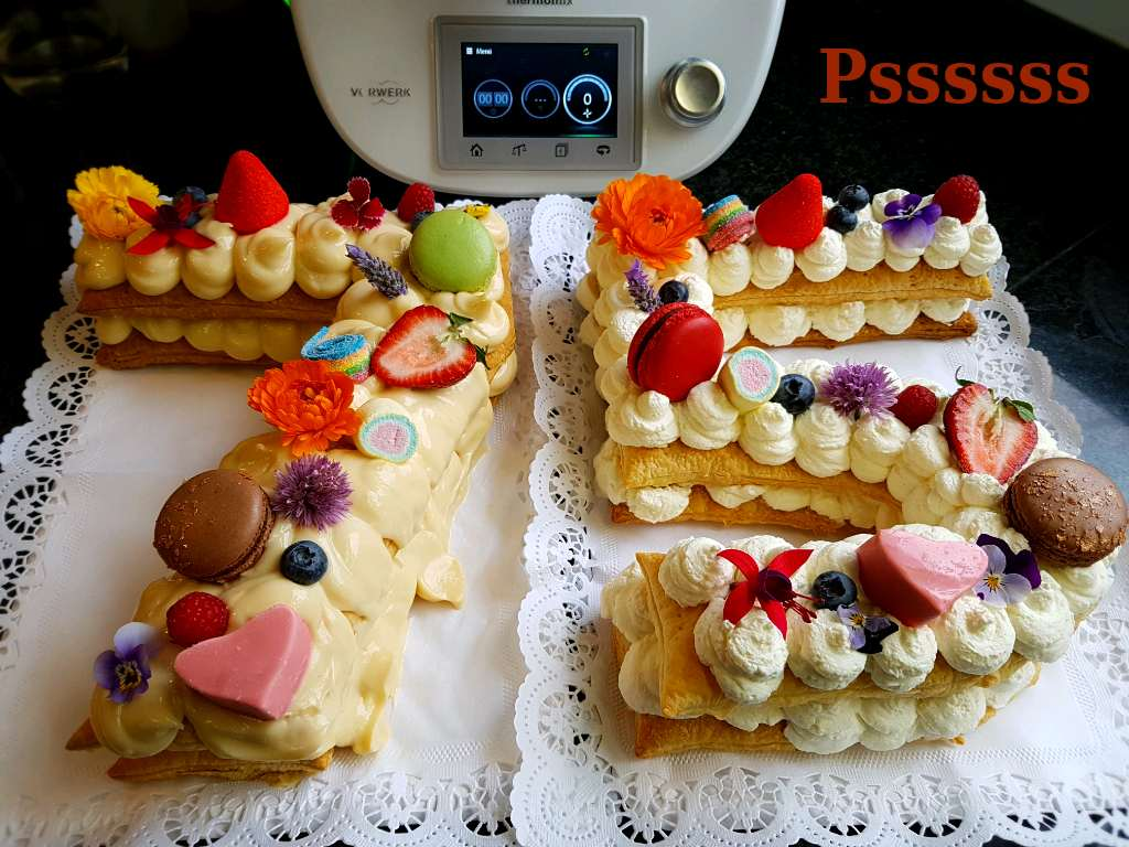 Pasteles Con Flores Comestibles
