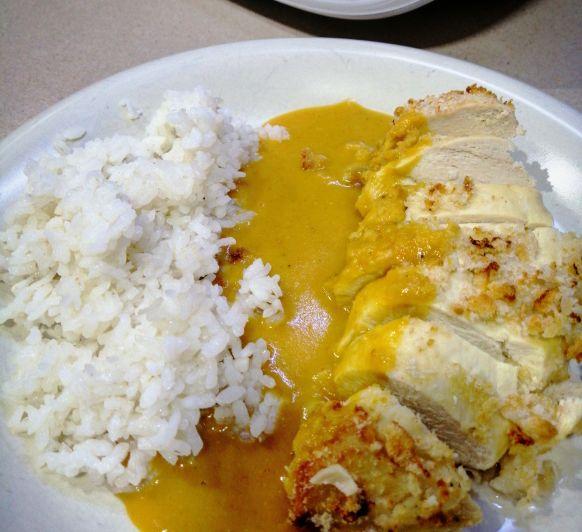 Pechuga de pollo al curry con arroz