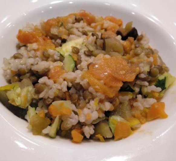 Arroz integral, lentejas y verduras al vapor