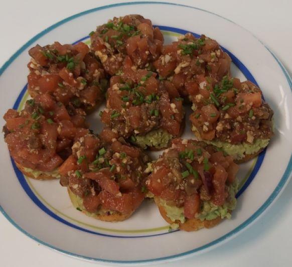 Galentine's Day - Mini tortas de falso tartar de tomate