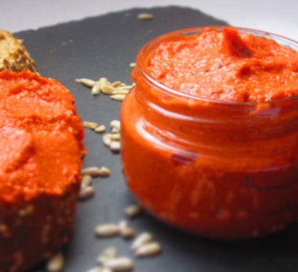 Paté vegano de tomates secos y pimientos del piquillo, con Thermomix®