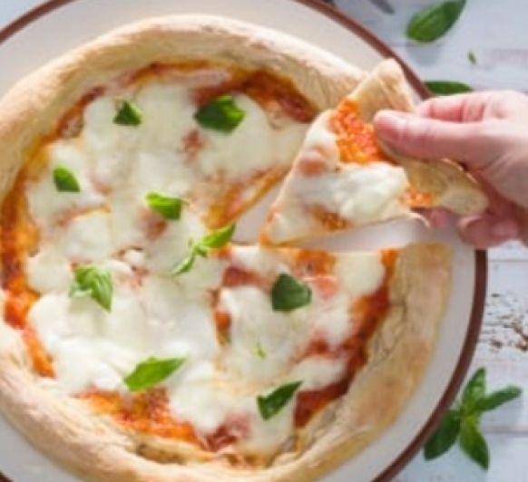 ppizza al estilo napolitana la comodidad de tener dos vasos