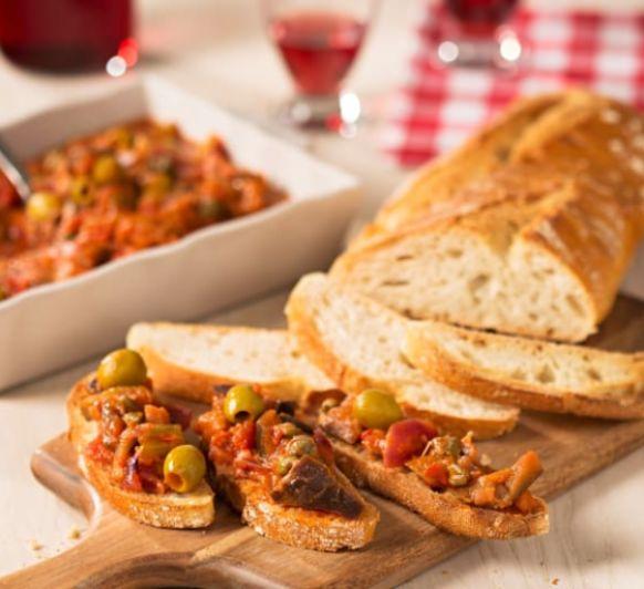 Bruschetta o tostada de caponata siciliana, con Thermomix®