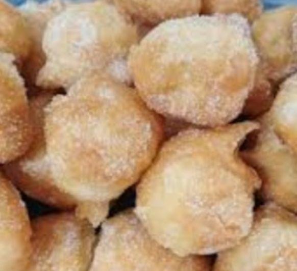 Buñuelos de viento con crema pastelera