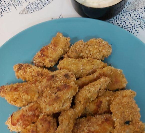 Crujiente de pollo almendrado con salsa ranchera