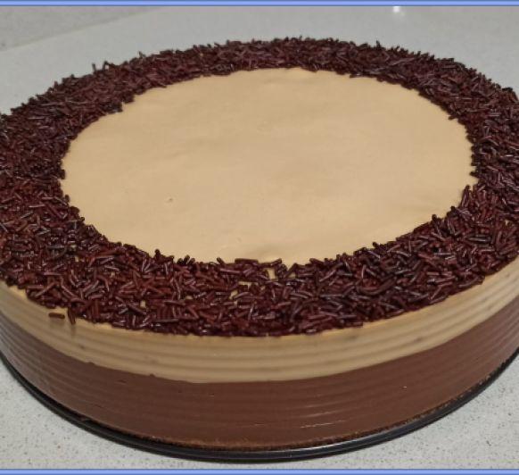 Pastel de chocolate-capuccino con profiteroles con Thermomix®