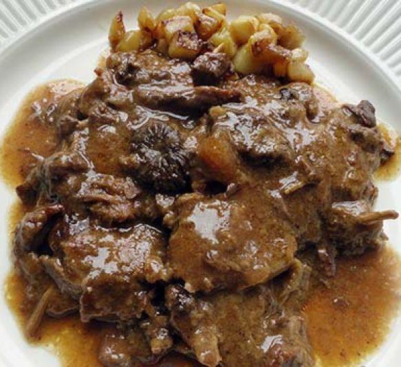 FRICANDÓ (Carne guisada)