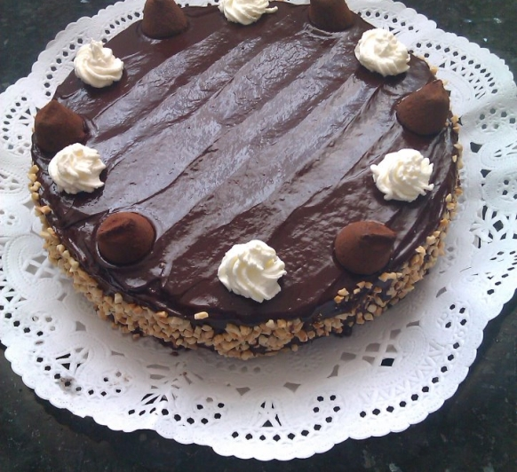 Mona de Pascua: tarta con trufa
