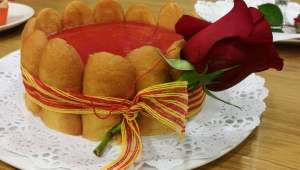 Pastel de Sant Jordi de frutos rojos o fresas, con Thermomix®