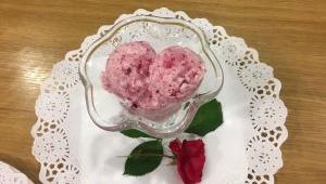 Sorbete de Sant Jordi con pétalos de rosa, con Thermomix®